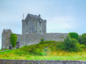 412 Dunguaire Castle 03-Aug-04x3.JPG