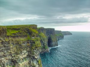 419 Cliffs of Moher 03-Aug-04x3.JPG